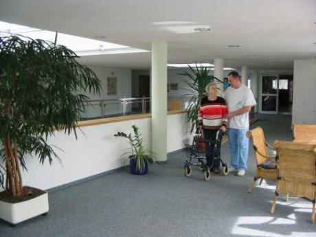 ambulante pflege dr georg frank altenhilfe stiftung. Black Bedroom Furniture Sets. Home Design Ideas
